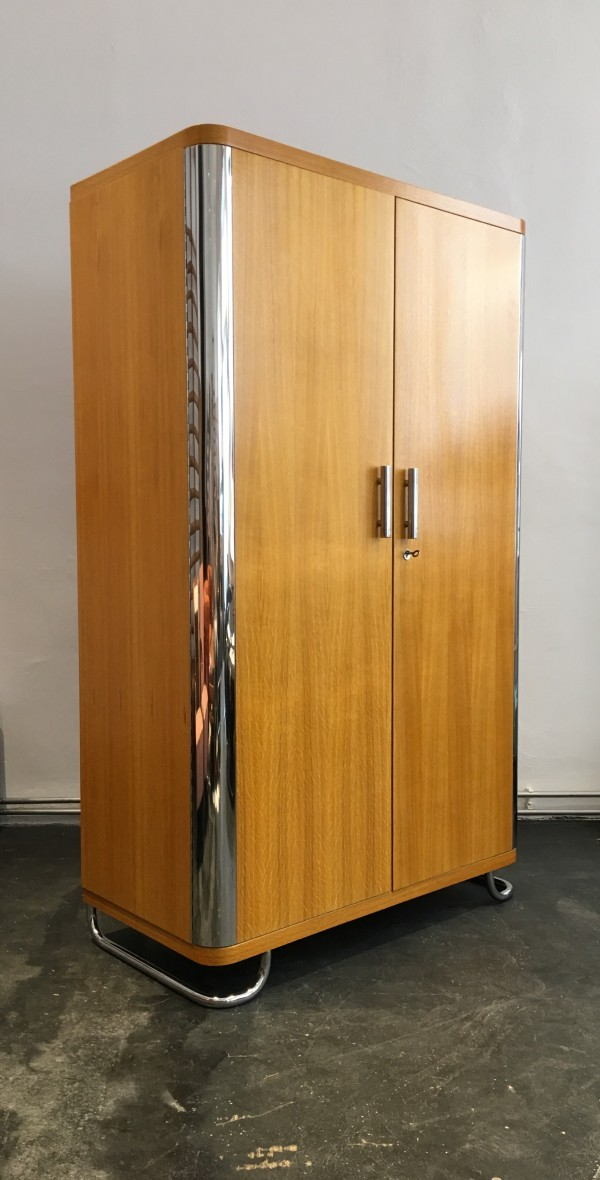 Contemporary Kleiderschrank