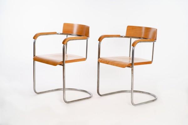 2 Freischwinger Sessel | Firma Vichr