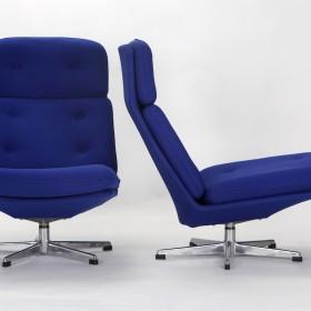 2 drehbare Sessel