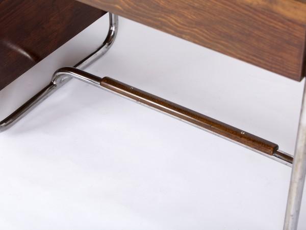 Stahlrohrschreibtisch | Hynek Gottwald