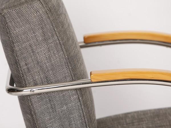 Stahlrohr Freischwinger | Mücke & Melder