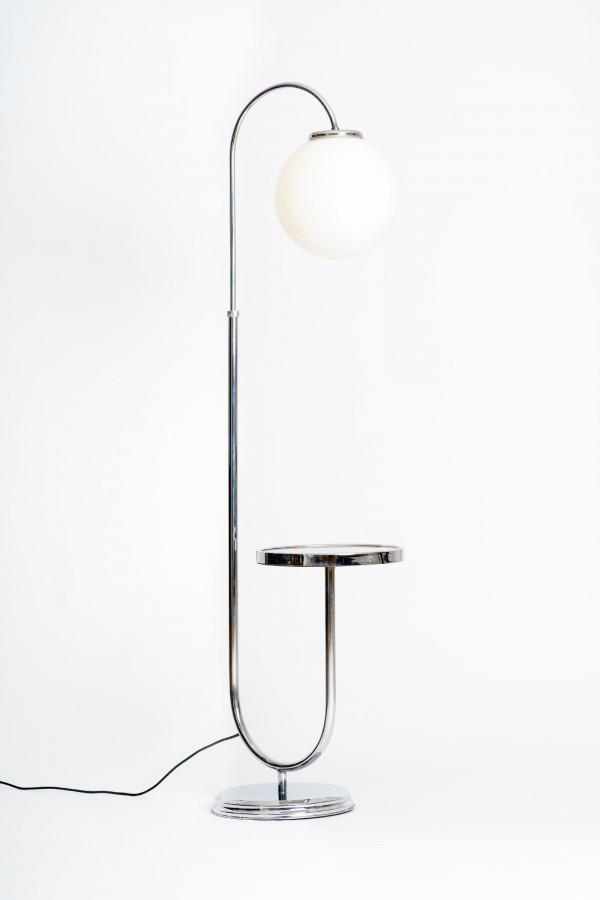 Funktionalistische Stehlampe